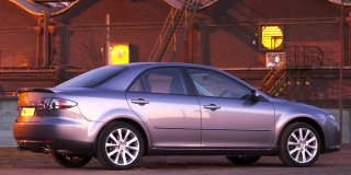 http://www.car-specs.za.net/car-images/mazda-6-facelift-2.3-dynamic-at-2005-10.jpg