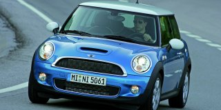 mini cooper s 2010 5 car specs mini hatch specifications information on mini cars and. Black Bedroom Furniture Sets. Home Design Ideas